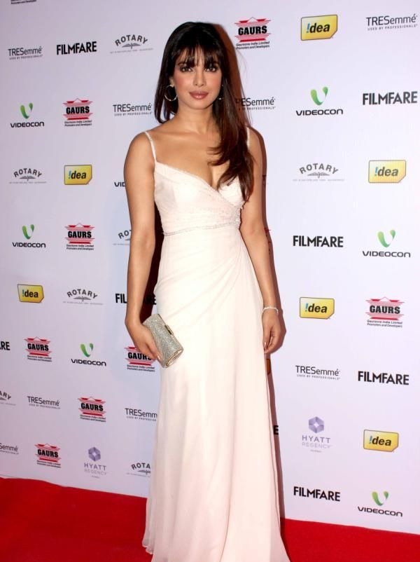 priyanka chopra at 58th filmfare awards 2013 1 Priyanka Chopra at 58th Filmfare Awards 2013