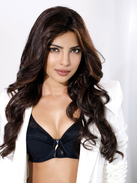 priyanka chopra hot photo shoot photos 1052 Priyanka Chopra Hot Photo Shoot Photos