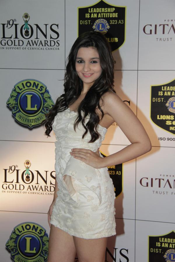 http://www.telugunow.com/wp-content/gallery/raju-manwani-mumbai-sols-19th-lions-gold-awards/raju-manwani-mumbai-sols-19th-lions-gold-awards-17.jpg?5c1bd2