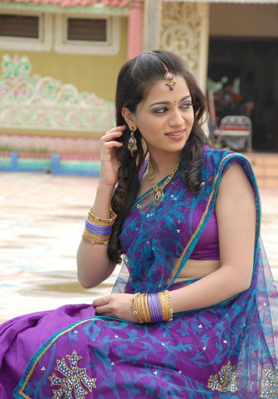 actress reshma hot photos in saree 04 Actress Reshma Hot Photos in Saree