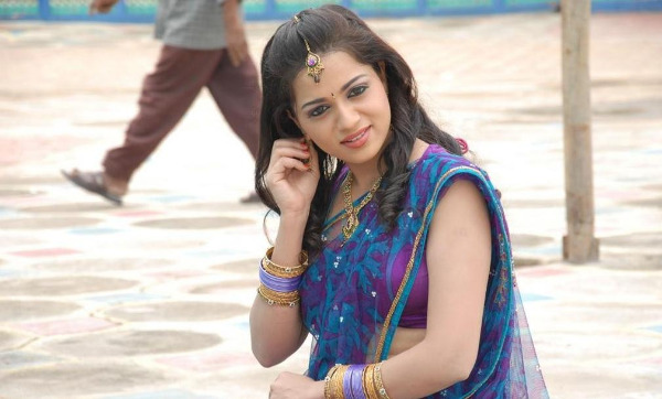 actress reshma hot photos in saree 07 Actress Reshma Hot Photos in Saree