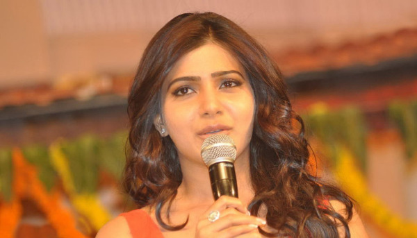 samantha at svsc audio launch 1 0 Samantha Hot Photos At SVSC Audio Launch