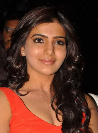 samantha at svsc audio launch 3 0 Samantha Hot Photos At SVSC Audio Launch