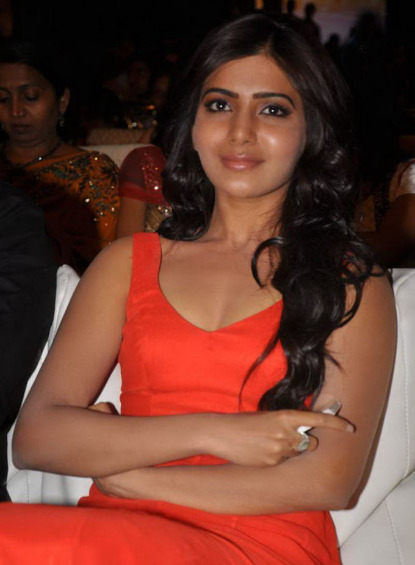 samantha at svsc audio launch 5 0 Samantha Hot Photos At SVSC Audio Launch