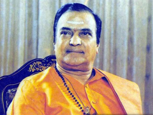 legend n t rama rao photos 154 Senior NTR Photo Gallery