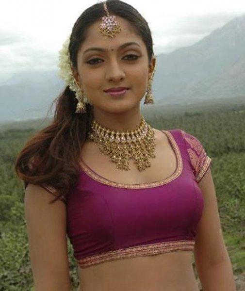 sheela actress hot navel bikini pics wallpapers 18 Sheela Hot Photos