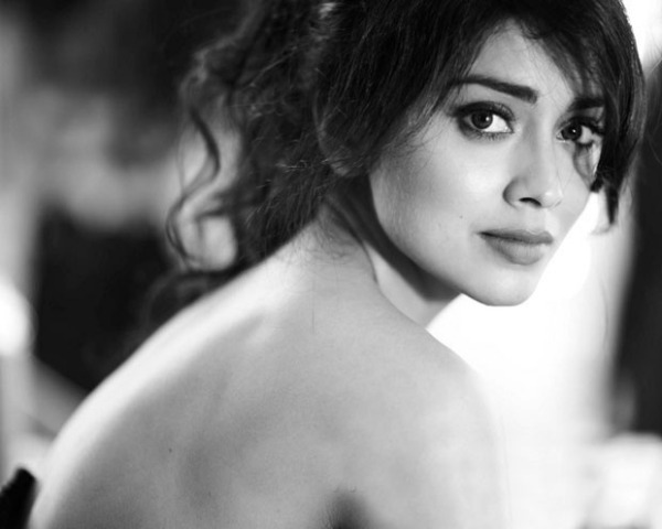shriya saran hot photo shoot photos 1314 Shriya Latest Hot Photo Gallery