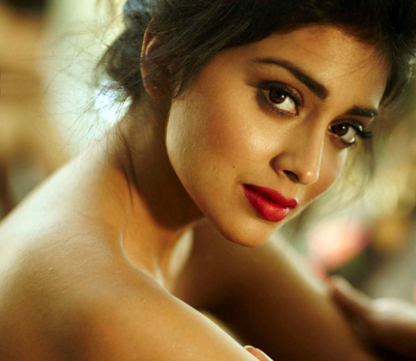 shriya saran hot photo shoot photos 170 Shriya Latest Hot Photo Gallery