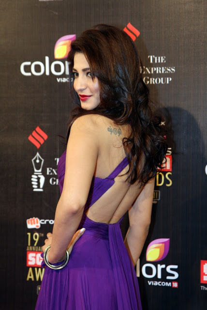 shruthi-hassan-at-19th-annual-colors-screen-awards-2
