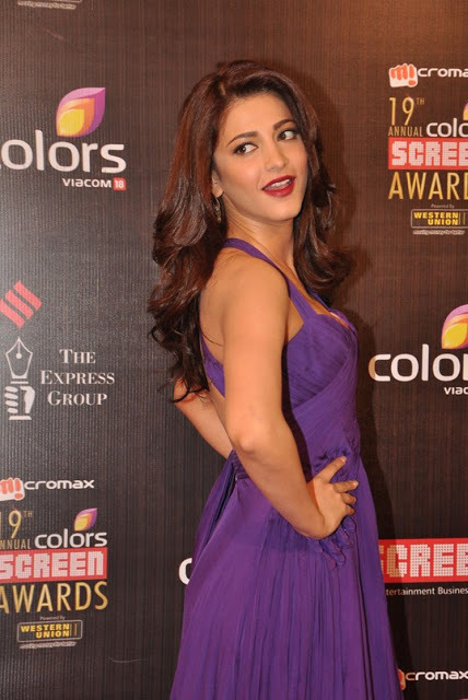 shruthi-hassan-at-19th-annual-colors-screen-awards-4