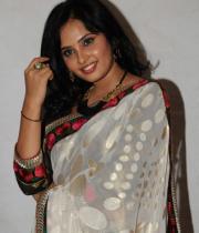 actress_aarushi_cute_photos_in_white_saree_premantene_chitram_audio_release_photostills_10_s_549
