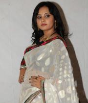actress_aarushi_cute_photos_in_white_saree_premantene_chitram_audio_release_photostills_13_s_203
