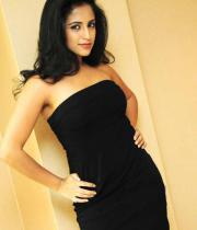 aasheeka-hot-cleavage-show-pictures-in-blue-skirt-01