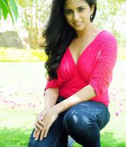 aasheeka-hot-navel-show-pictures-10