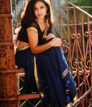 aasheeka-hot-photo-shoot-stills-in-saree-08