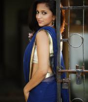 aasheeka-hot-photo-shoot-stills-in-saree-12