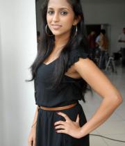aasheeka-hot-cleavage-pics-in-black-dress-07
