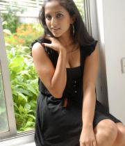 aasheeka-hot-cleavage-pics-in-black-dress-09