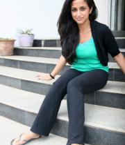 aasheeka-hot-pictures-in-black-jeans-04