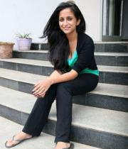 aasheeka-hot-pictures-in-black-jeans-05