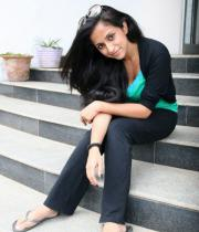 aasheeka-hot-pictures-in-black-jeans-06