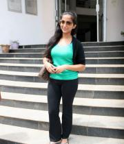 aasheeka-hot-pictures-in-black-jeans-09