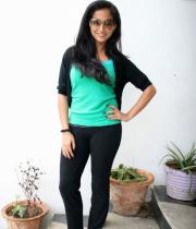 aasheeka-hot-pictures-in-black-jeans-11