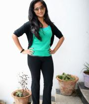 aasheeka-hot-pictures-in-black-jeans-12