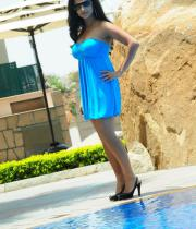 aasheeka-hot-pictures-in-blue-skirt-01