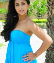 aasheeka-hot-pictures-in-blue-skirt-05