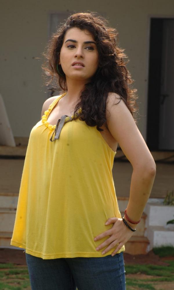 actress-archana-latest-hot-photos-1373