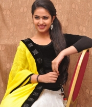 actress-avika-latest-stills-1