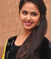 actress-avika-latest-stills-13