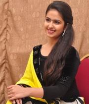 actress-avika-latest-stills-18