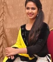 actress-avika-latest-stills-19