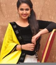 actress-avika-latest-stills-3