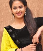actress-avika-latest-stills-6