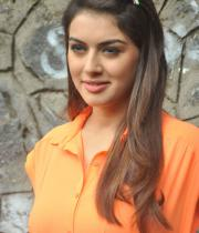 actress-hansika-latest-stills-11