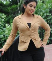 actress-jeevitha-latest-stills-13