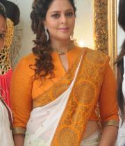 actress-nagma-latest-saree-photos-2