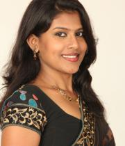 actress-nithya-hot-photo-shoot-pictures-11