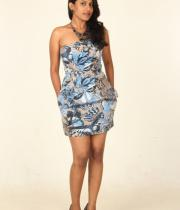 actress-nithya-hot-photo-shoot-pictures-5