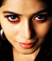 actress-actress-poorna-latest-hot-photos-05