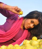 actress-actress-poorna-latest-hot-photos-10