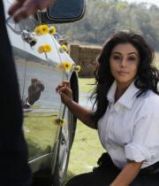 actress-actress-poorna-latest-hot-photos-14