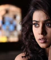 actress-actress-poorna-latest-hot-photos-15