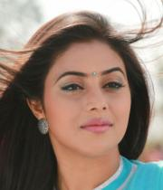 actress-actress-poorna-latest-hot-photos-16