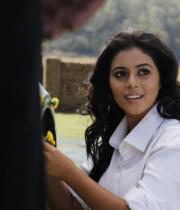 actress-actress-poorna-latest-hot-photos-19