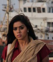 actress-actress-poorna-latest-hot-photos-27
