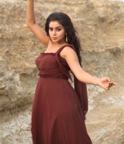 actress-actress-poorna-latest-hot-photos-34